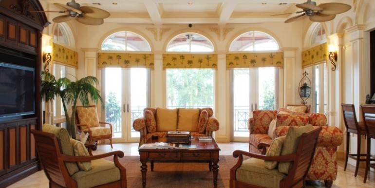 7. Single Family Homes for Sale at Ocean Club Estates, Nassau And Paradise Island Bahamas
