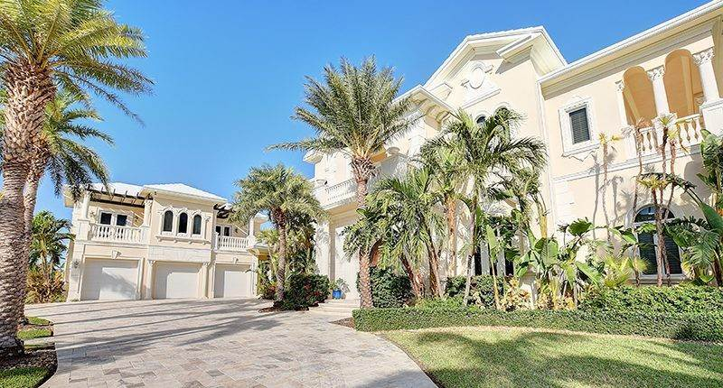 2. Single Family Homes for Sale at Ocean Club Estates, Nassau And Paradise Island Bahamas