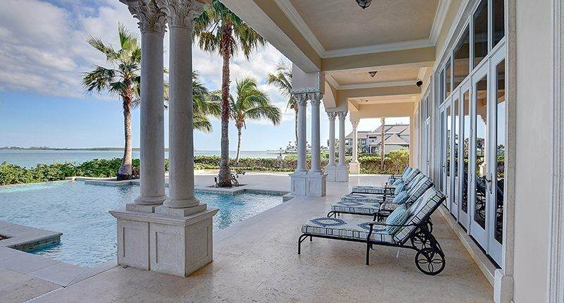 6. Single Family Homes for Sale at Ocean Club Estates, Nassau And Paradise Island Bahamas