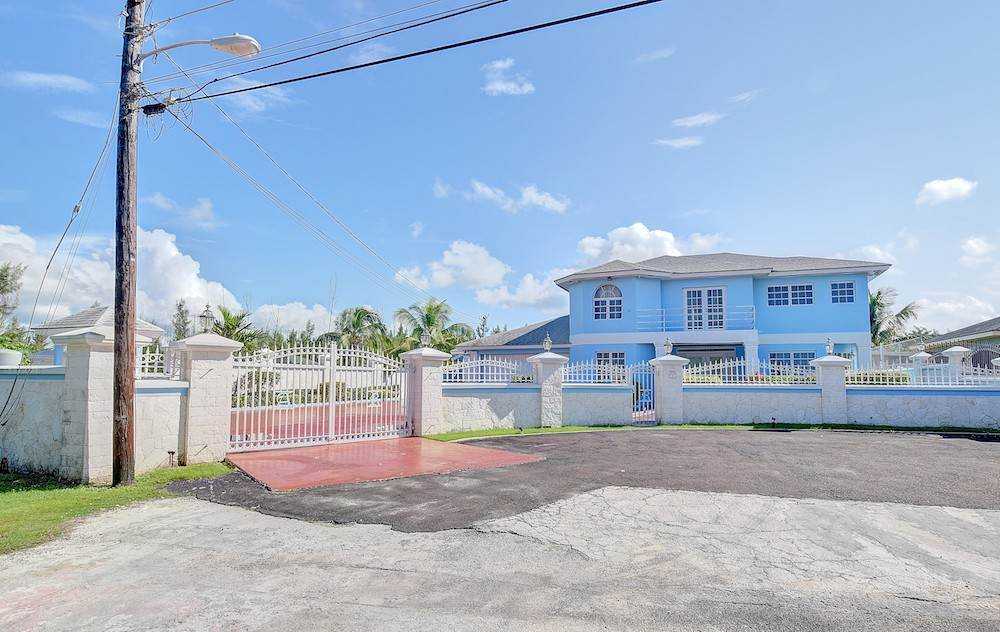 Single Family Homes for Sale at Tropical Gardens Lot# 43 Nassau, Nassau And Paradise Island Bahamas