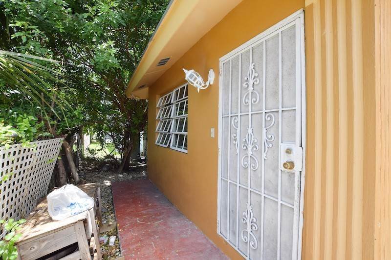 14. Single Family Homes for Sale at Jacaranda Street ,Lot 540 Nassau, Nassau And Paradise Island Bahamas